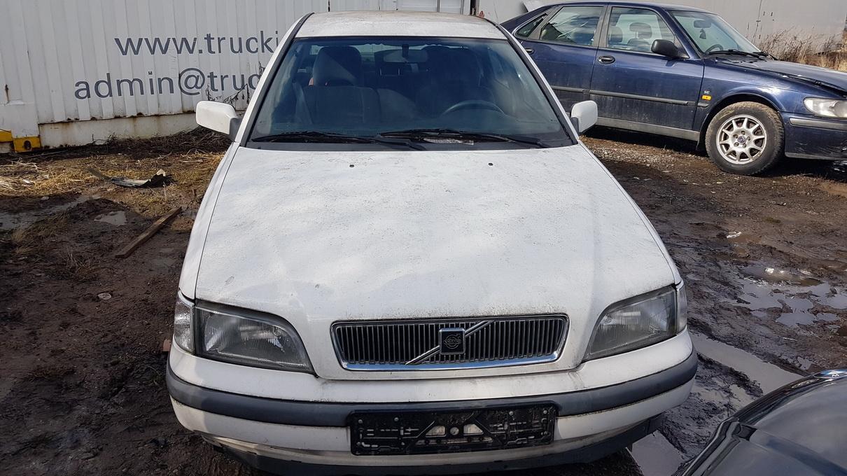 Naudotos automobilio dalys Volvo S40 1998 1.8 Automatinė Sedanas 4/5 d. Balta 2017-3-21