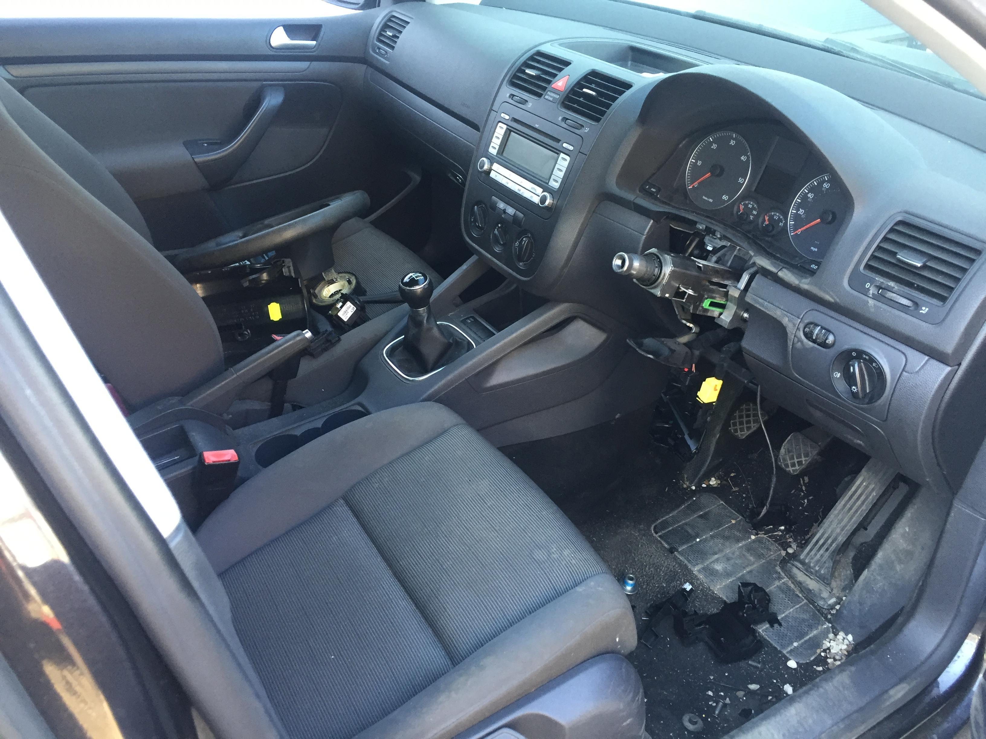 Used Car Parts Foto 5 Volkswagen GOLF 2007 1.9 Mechanical Hatchback 4/5 d. Black 2017-8-31 A3437