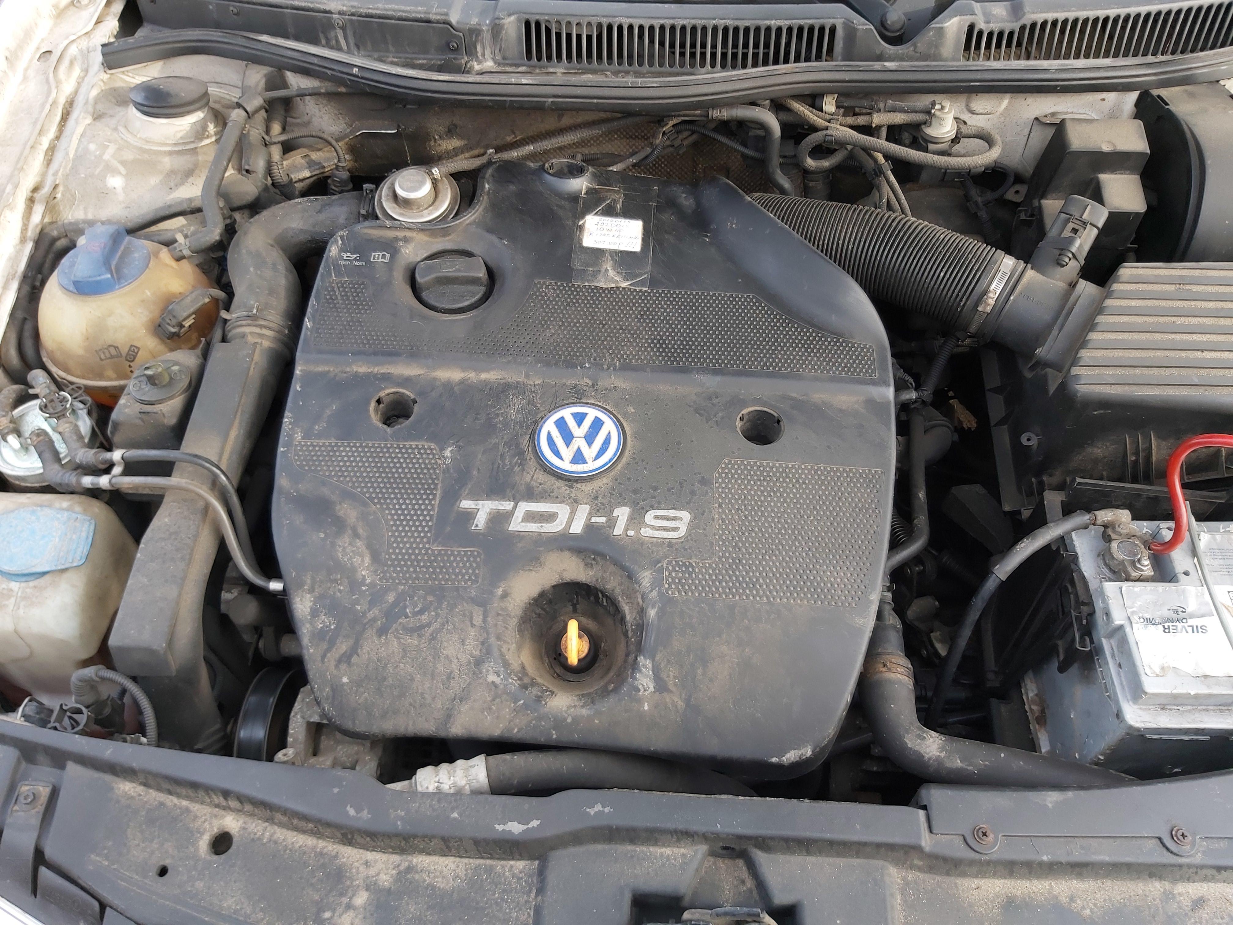 Подержанные Автозапчасти Foto 2 Volkswagen GOLF 2000 1.9 машиностроение универсал 4/5 d. белый 2020-2-14 A5072