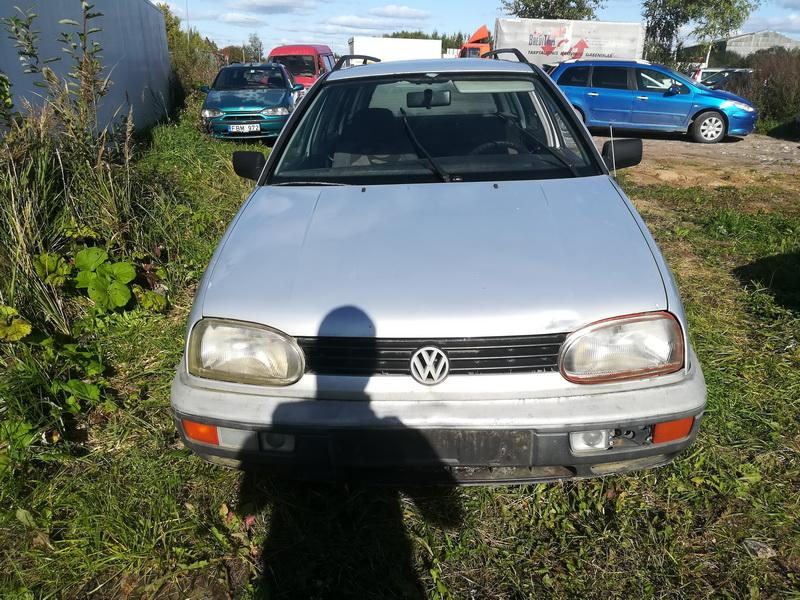 Naudotos automobilio dalys Volkswagen GOLF 1996 1.9 Mechaninė Universalas 4/5 d. Pilka 2019-9-23