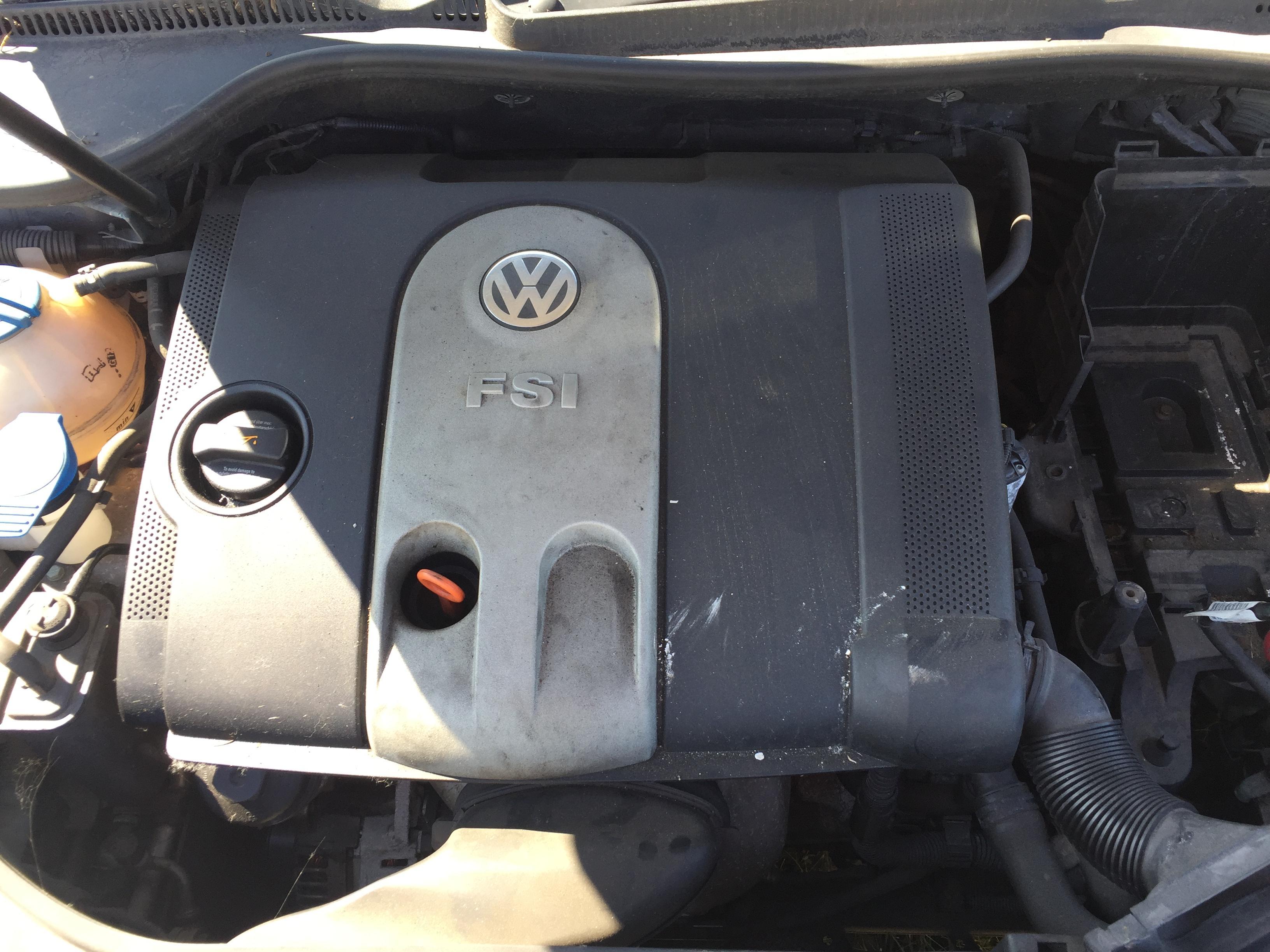 Naudotos automobiliu dallys Foto 3 Volkswagen GOLF 2005 1.6 Mechaninė Hečbekas 4/5 d. Pilka 2017-8-30 A3427