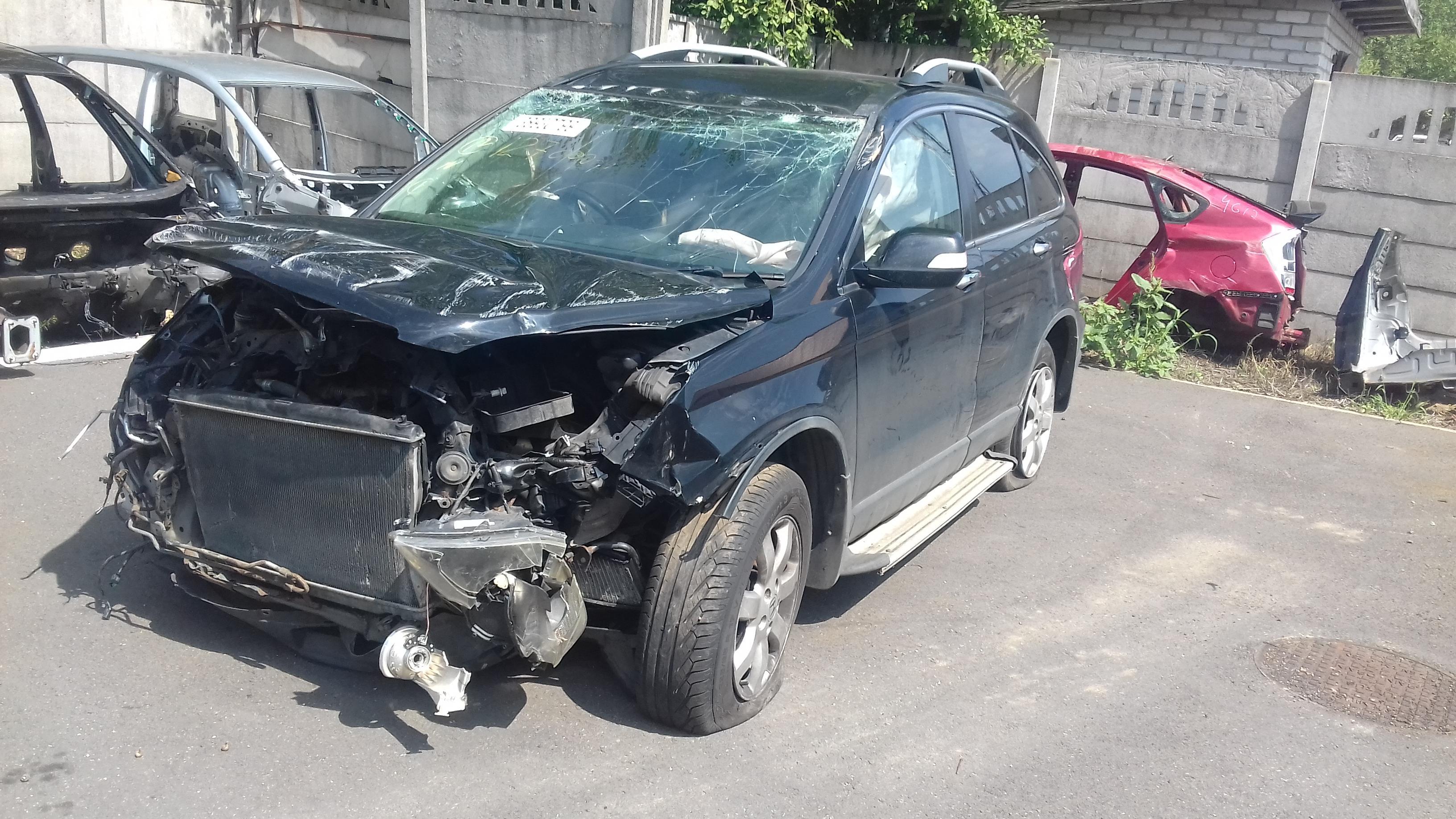 Naudotos automobiliu dallys Foto 2 Honda CR-V 2009 2.2 Mechaninė Visureigis 4/5 d. Juoda 2019-7-31 A4671