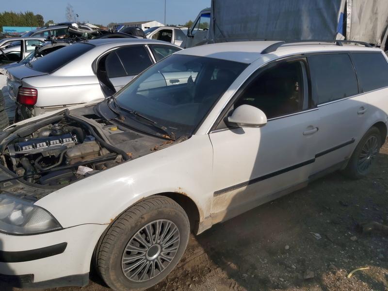 Naudotos automobiliu dallys Foto 3 Volkswagen PASSAT 2004 1.9 Mechaninė Universalas 4/5 d. Balta 2020-9-16 A5668