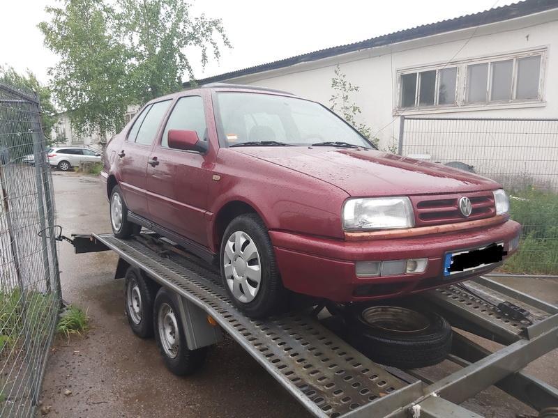 Naudotos automobilio dalys Volkswagen VENTO 1995 1.8 Mechaninė Sedanas 4/5 d. Raudona 2020-7-07