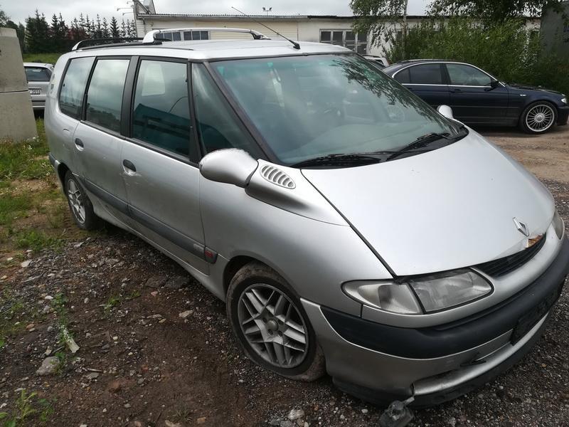 Naudotos automobiliu dallys Foto 3 Renault ESPACE 2000 2.2 Mechaninė Vienatūris 4/5 d. Sidabrine 2019-7-26 A4659