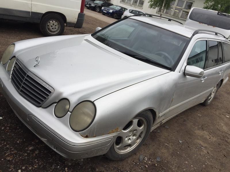 Naudotos automobiliu dallys Foto 8 Mercedes-Benz E-CLASS 1998 2.7 Mechaninė Universalas 4/5 d. Sidabrine 2018-6-12 A3857