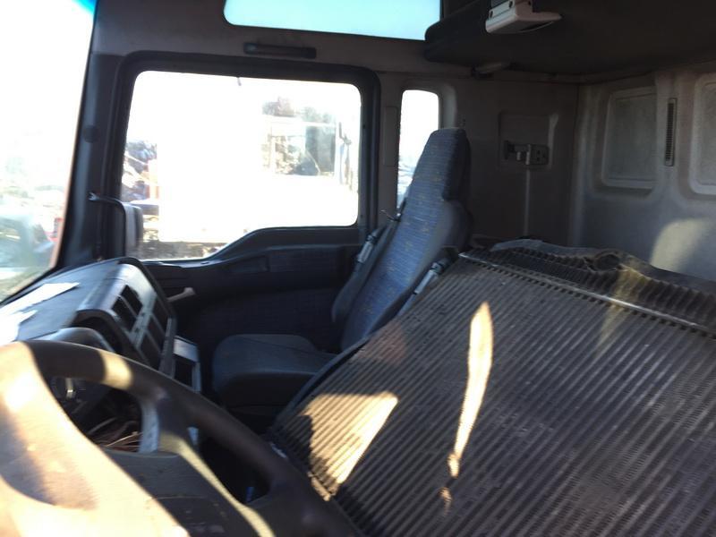 Naudotos automobilio dalys Truck - MAN TGA 2002 12.0 Mechaninė Vilkikas 2/3 d. Oranzine 2018-11-27