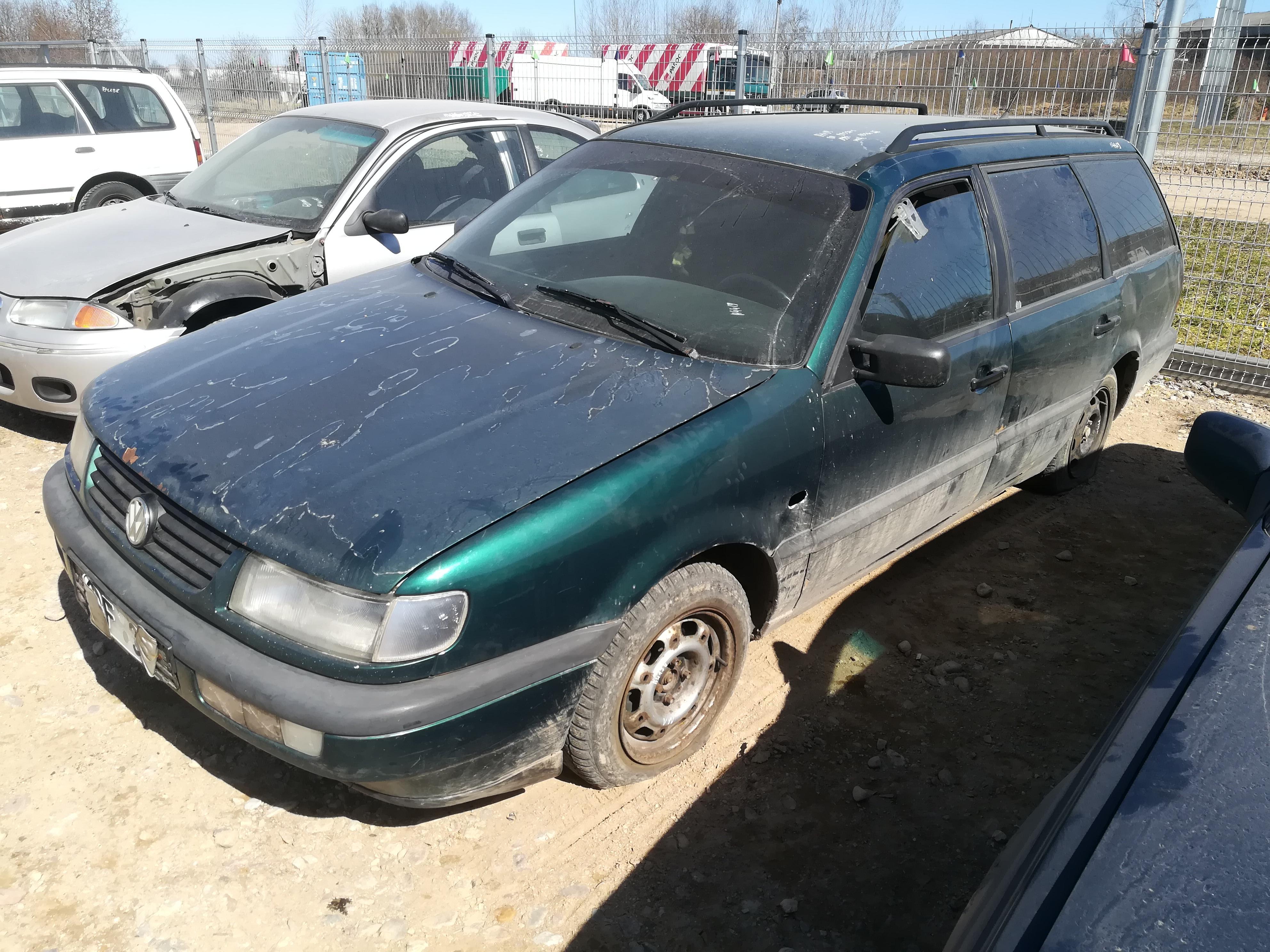 Naudotos automobiliu dallys Foto 4 Volkswagen PASSAT 1995 1.9 Mechaninė Universalas 4/5 d. Zalia 2019-4-13 A4419