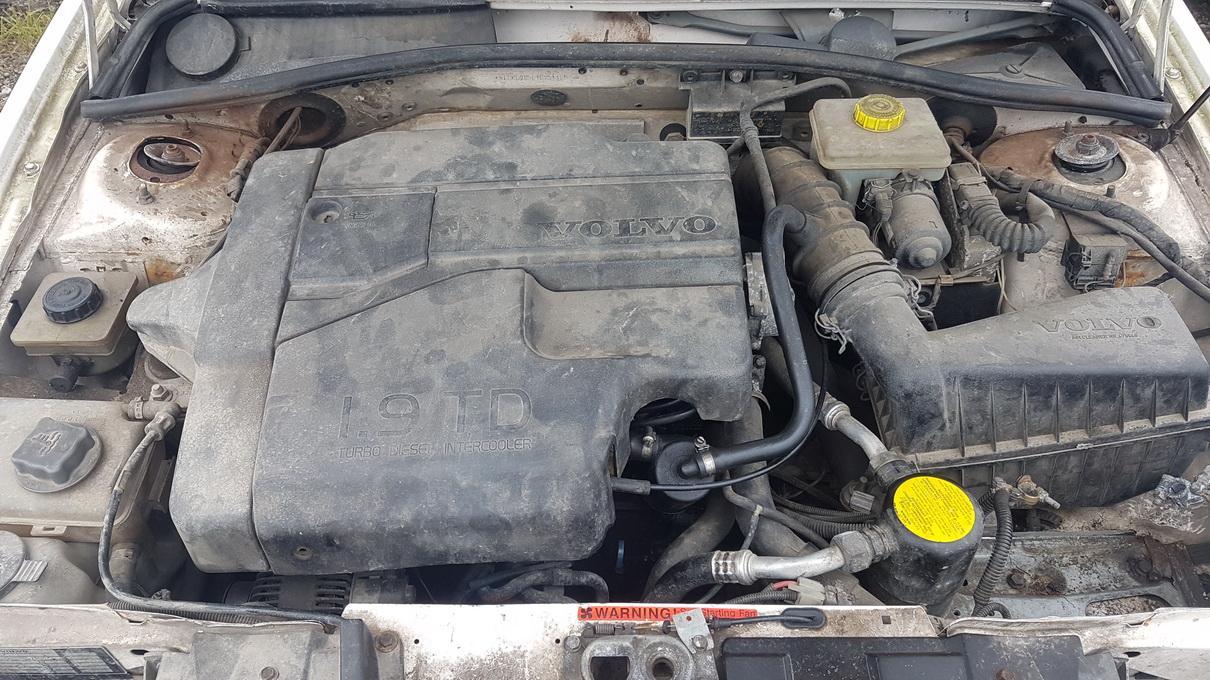Naudotos automobiliu dallys Foto 8 Volvo 440 1996 1.9 Mechaninė Sedanas 4/5 d. Balta 2017-7-25 A3367