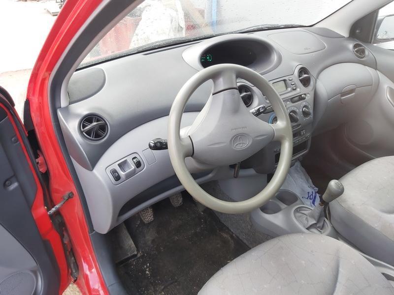 Naudotos automobilio dalys Toyota YARIS 1999 1.0 Mechaninė Hečbekas 4/5 d. Raudona 2020-3-13