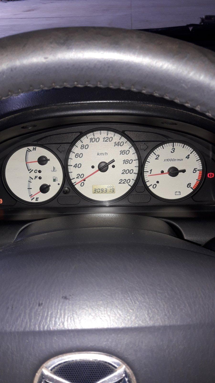 Naudotos automobilio dalys Mazda PREMACY 2003 2.0 Mechaninė Vienatūris 4/5 d. Juoda 2020-6-16