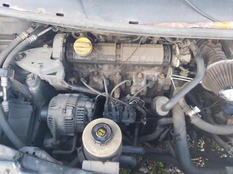 Naudotos automobiliu dallys Foto 2 Renault ESPACE 1998 2.0 Mechaninė Vienatūris 4/5 d. Pilka 2020-8-28 A5579