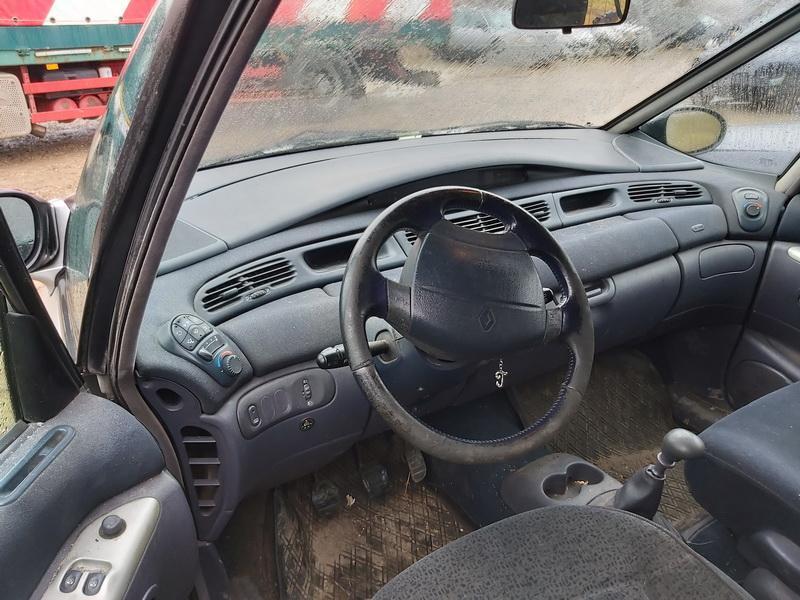 Подержанные Автозапчасти Renault ESPACE 2002 2.0 машиностроение минивэн 4/5 d. серебро 2020-1-21