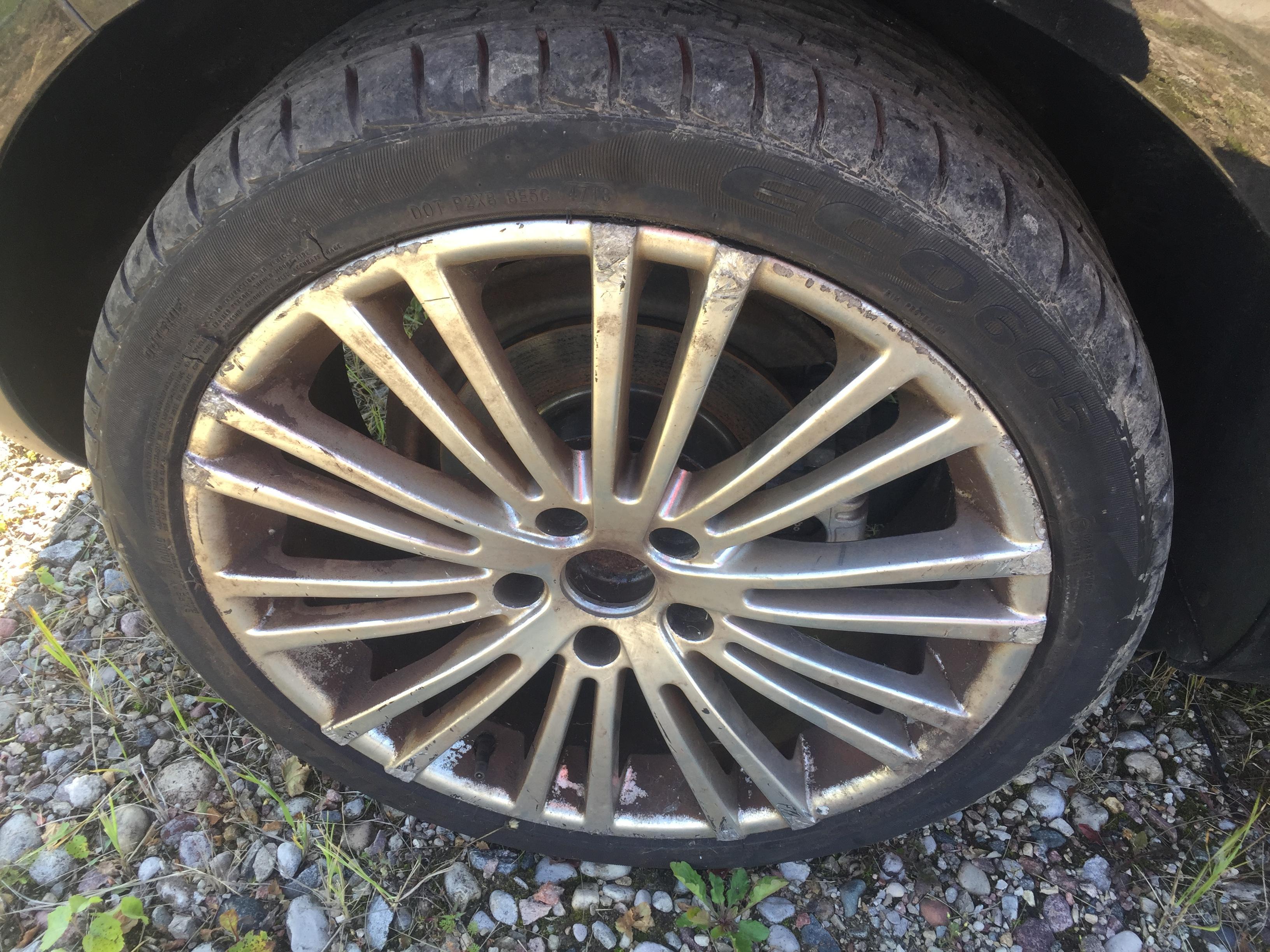 Naudotos automobilio dalys Volkswagen GOLF 2006 1.4 Mechaninė Hečbekas 2/3 d. Juoda 2017-8-31