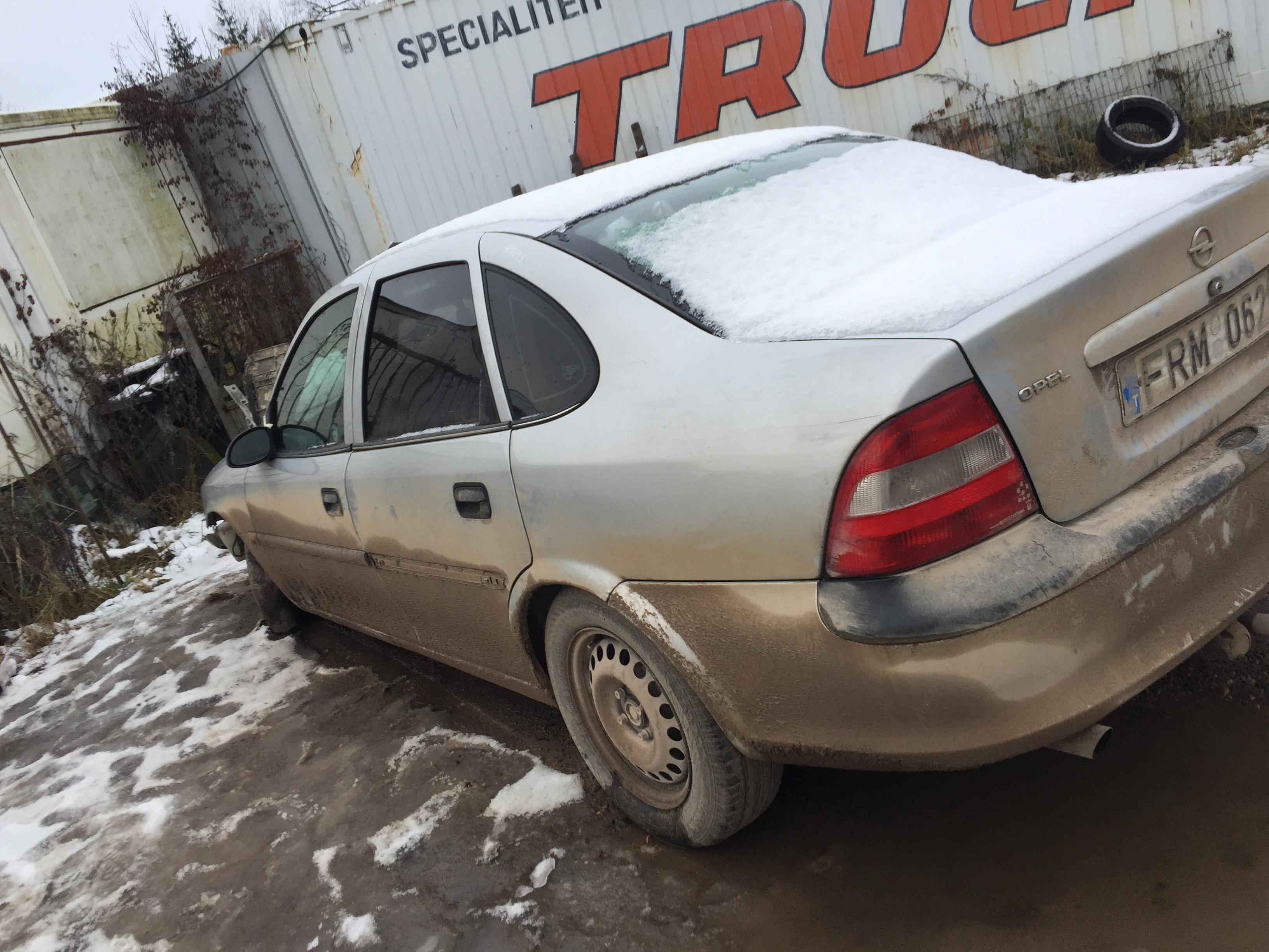 Подержанные Автозапчасти Foto 5 Opel VECTRA 1997 2.0 машиностроение седан 4/5 d. серебро 2017-12-06 A3548
