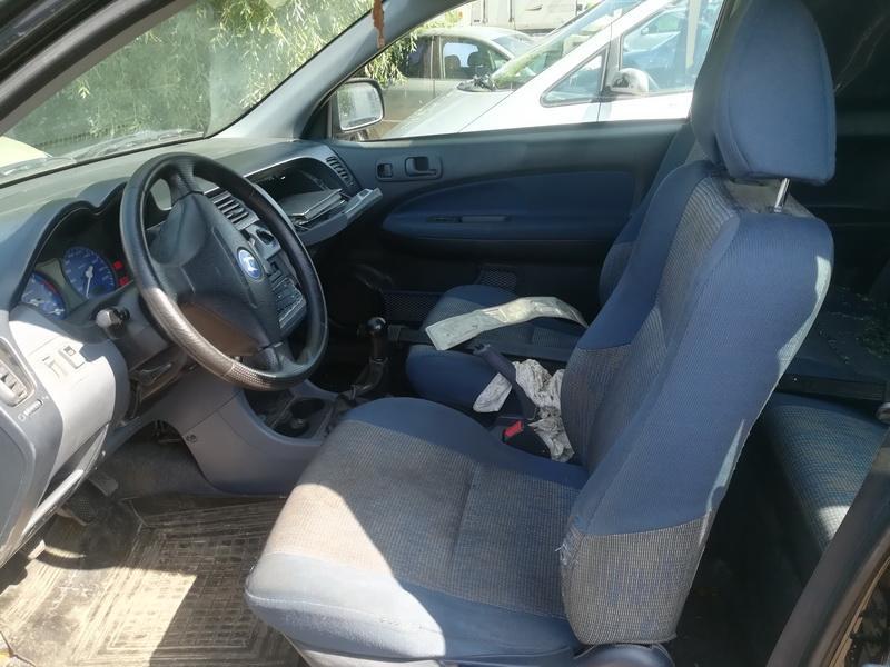 Naudotos automobiliu dallys Foto 5 Honda HR-V 1999 1.6 Mechaninė Visureigis 2/3 d. Juoda 2019-7-24 A4646