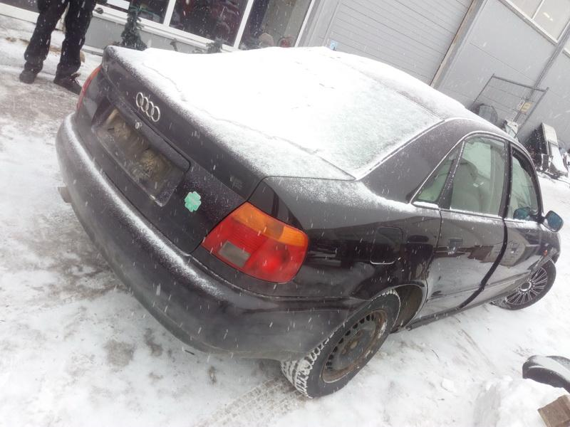 Naudotos automobiliu dallys Foto 7 Audi A4 1996 1.6 Mechaninė Sedanas 4/5 d. Vysnine 2018-3-01 A3651