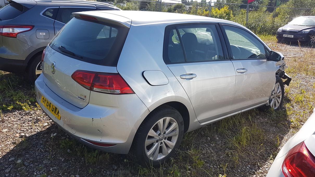 Naudotos automobilio dalys Volkswagen GOLF 2014 1.6 Mechaninė Hečbekas 4/5 d. Pilka 2017-8-09
