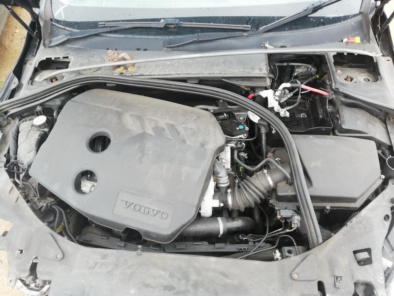 Naudotos automobiliu dallys Foto 3 Volvo S60 2012 1.6 Mechaninė Sedanas 4/5 d. Juoda 2019-10-11 A4824