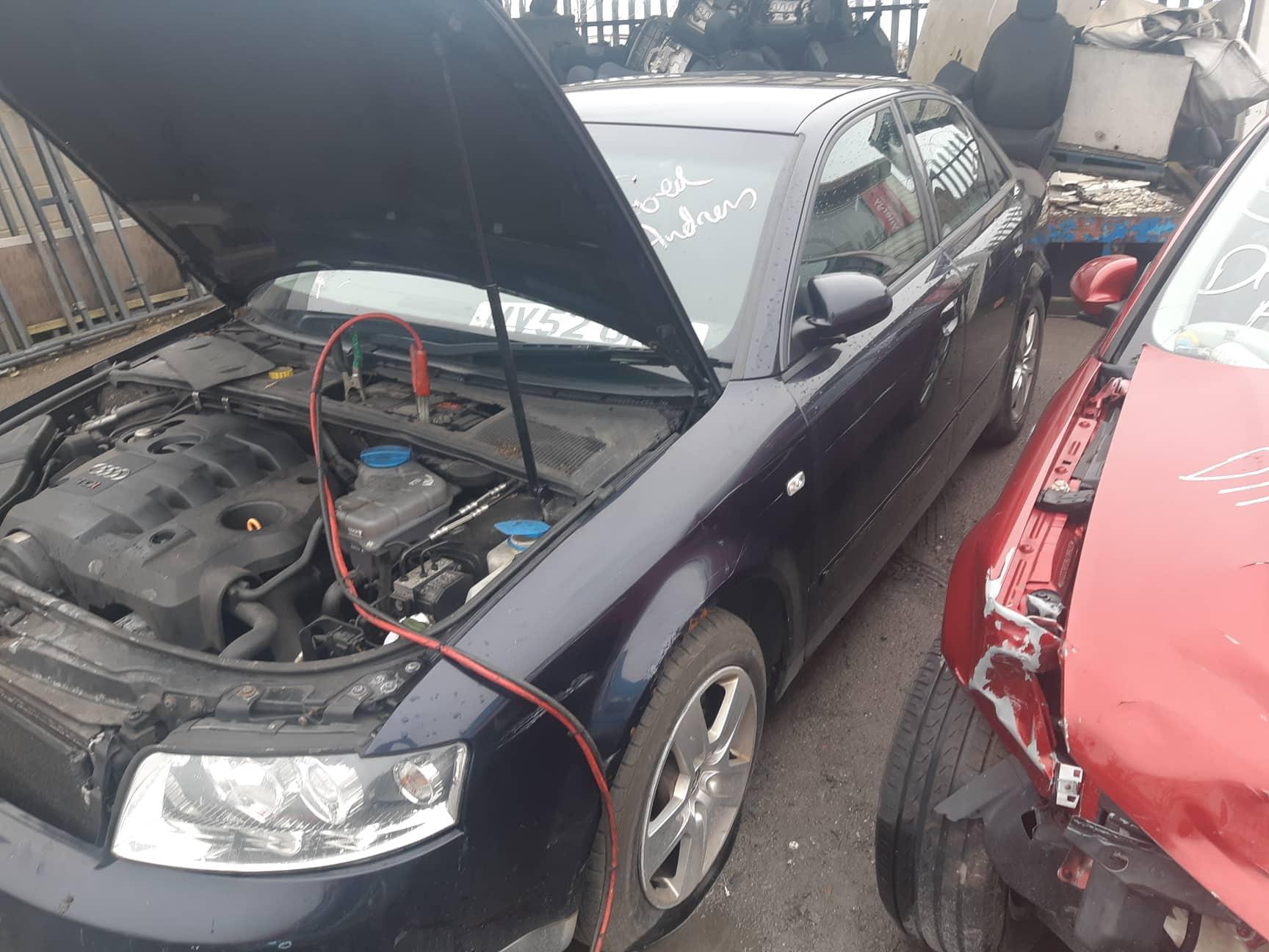 Naudotos automobiliu dallys Foto 3 Audi A4 2002 1.9 Mechaninė Sedanas 4/5 d. Melyna 2019-3-07 A4353