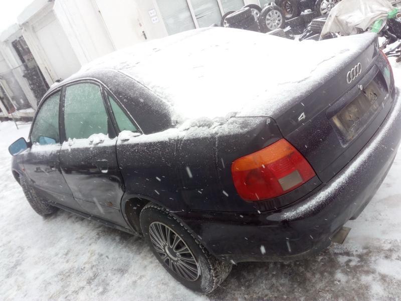 Подержанные Автозапчасти Audi A4 1996 1.6 машиностроение седан 4/5 d. вишня 2018-3-01