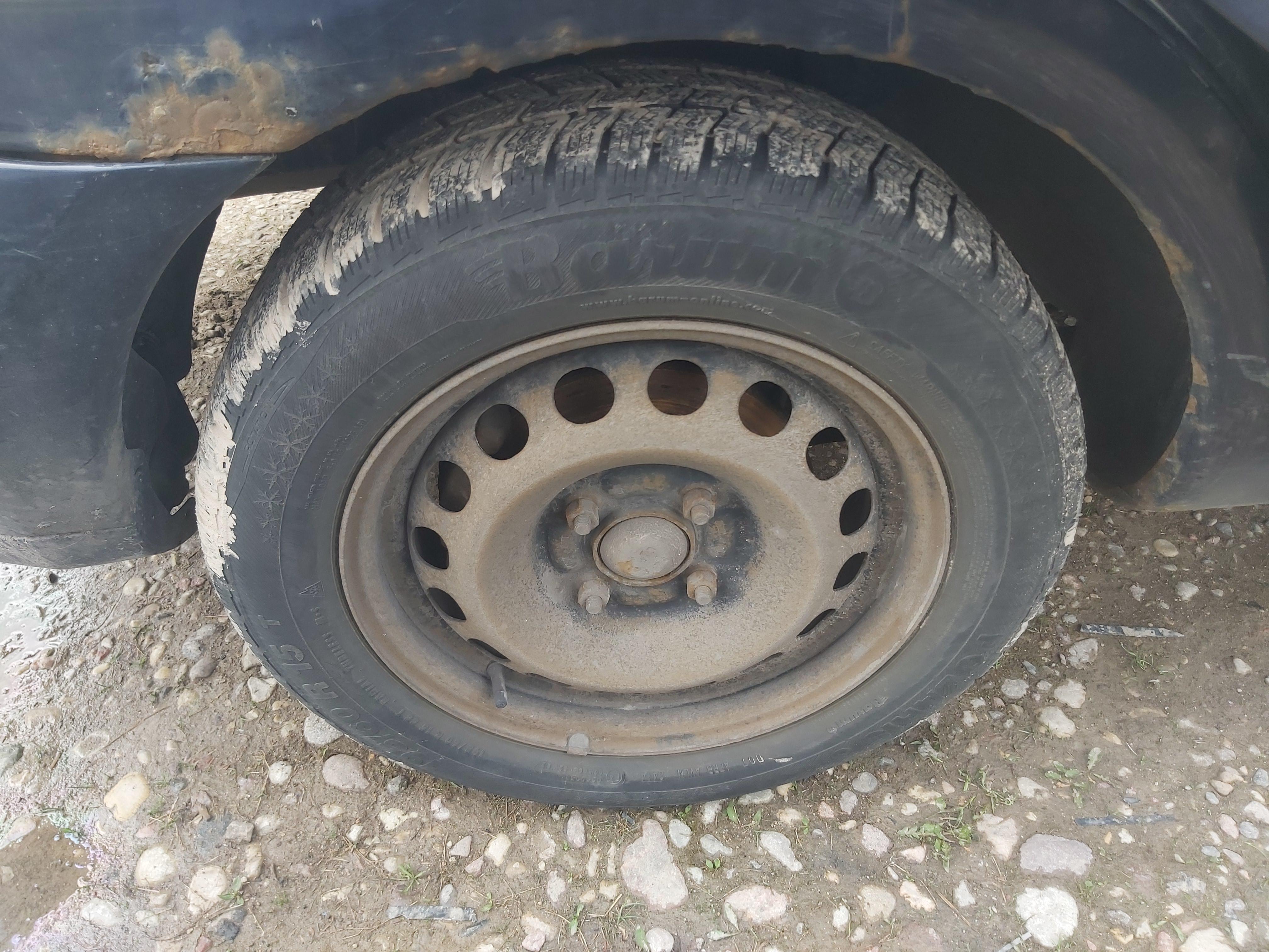 Naudotos automobiliu dallys Foto 11 Mitsubishi CARISMA 2000 1.9 Mechaninė Hečbekas 4/5 d. Melyna 2020-5-06 A5261