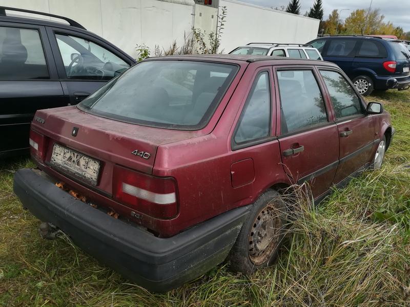 Naudotos automobiliu dallys Foto 9 Volvo 440 1994 2.0 Mechaninė Hečbekas 4/5 d. Vysnine 2019-10-08 A4814