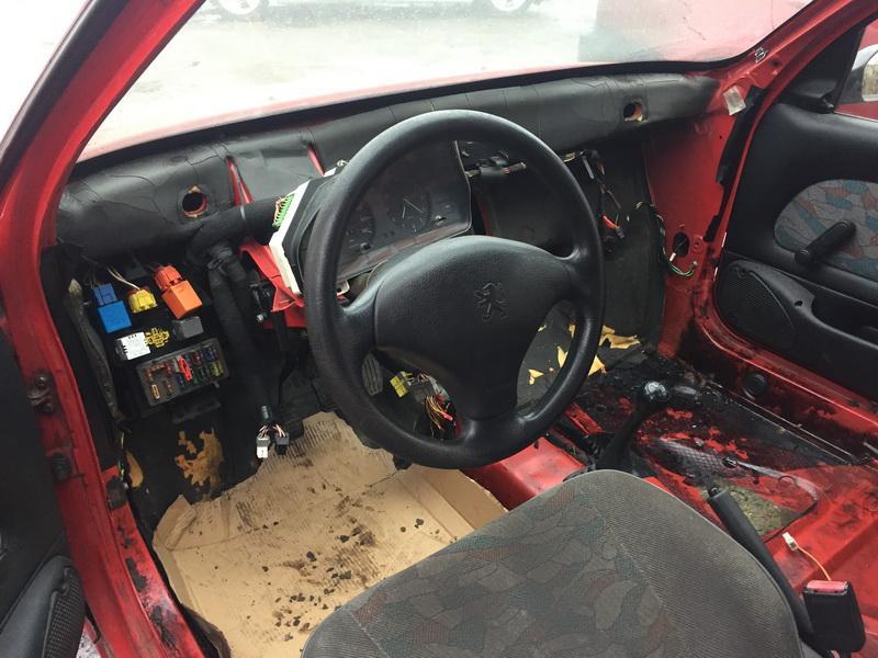 Naudotos automobilio dalys Peugeot 106 1996 1.1 Mechaninė Hečbekas 4/5 d. Raudona 2018-12-12