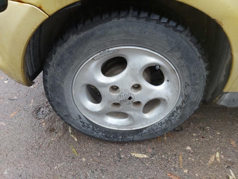 Naudotos automobiliu dallys Foto 10 Peugeot 206 2002 2.0 Mechaninė Hečbekas 4/5 d. Geltona 2020-10-14 A5755