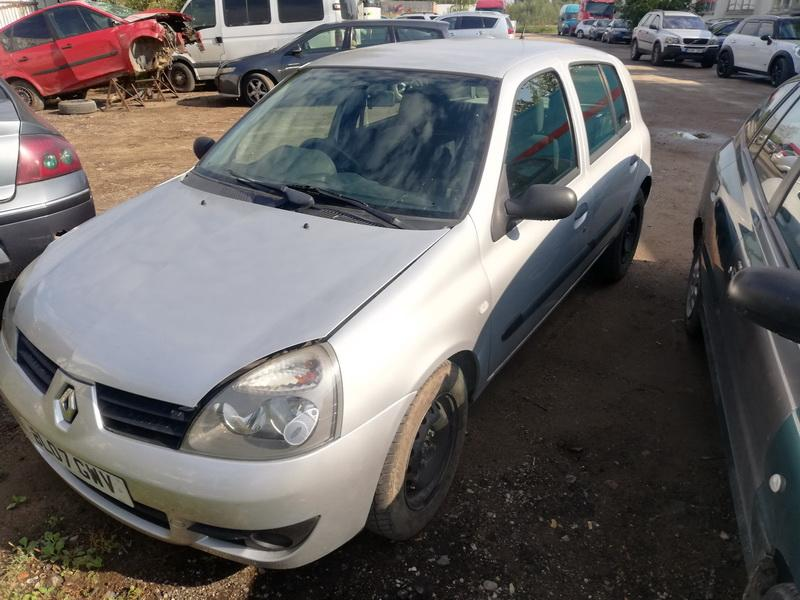 Naudotos automobiliu dallys Foto 3 Renault CLIO 2003 1.1 Mechaninė Hečbekas 4/5 d. Sidabrine 2019-9-09 A4739