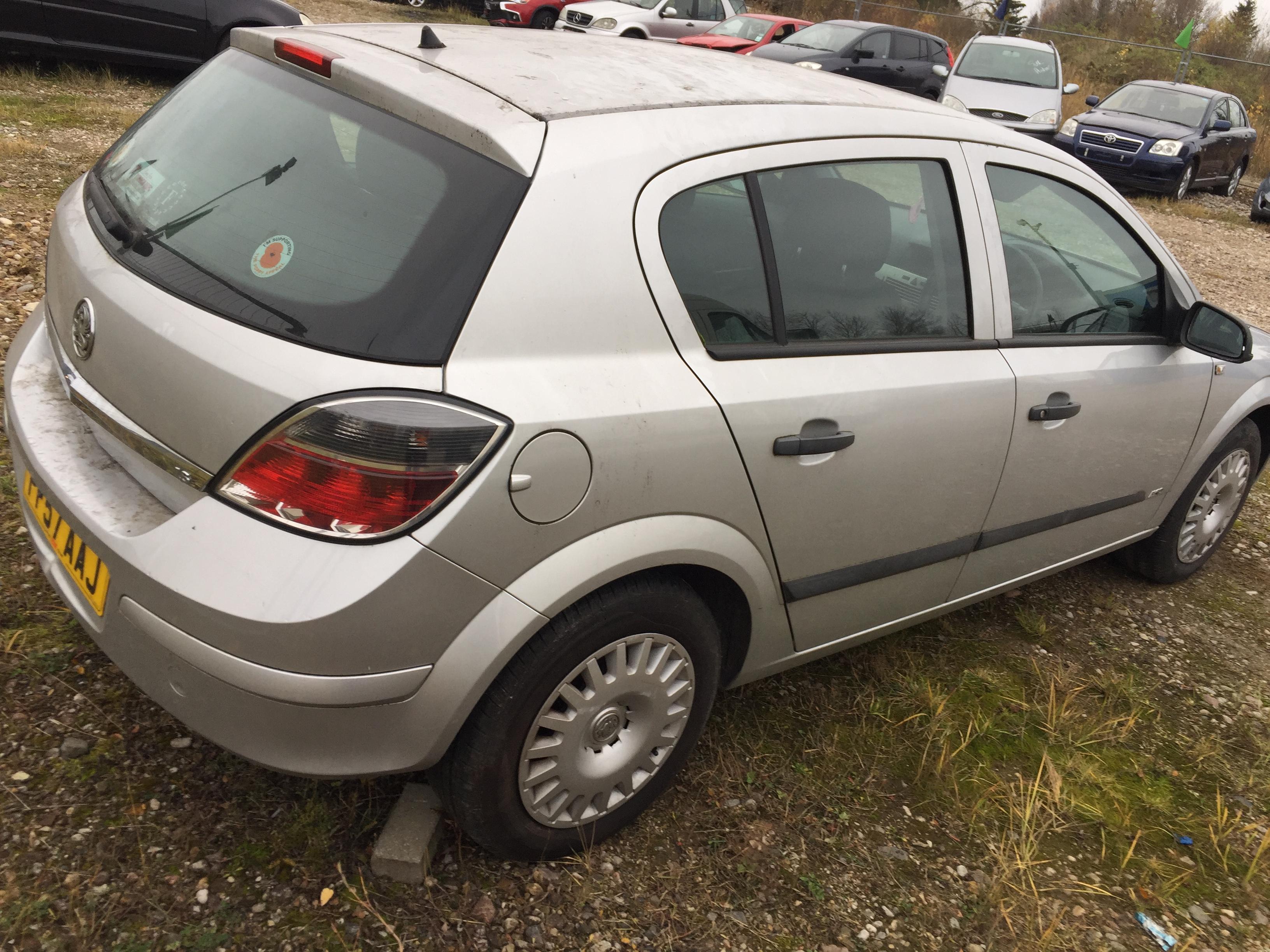 Naudotos automobilio dalys Opel ASTRA 2007 1.6 Mechaninė Hečbekas 4/5 d. Sidabrine 2017-11-07
