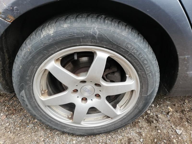 Naudotos automobiliu dallys Foto 10 Volkswagen JETTA 2006 1.6 Mechaninė Sedanas 4/5 d. Pilka 2019-9-25 A4784