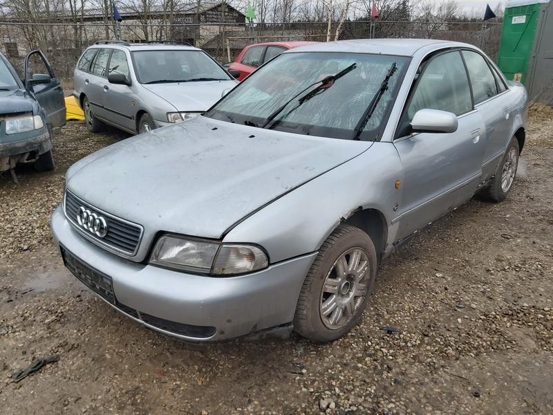 Naudotos automobiliu dallys Foto 4 Audi A4 1998 2.5 Mechaninė Sedanas 4/5 d. Sidabrine 2020-2-27 A5104