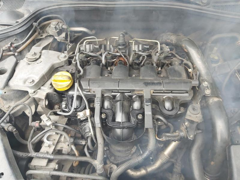 Naudotos automobiliu dallys Foto 2 Renault LAGUNA 2003 2.2 Mechaninė Universalas 4/5 d. Juoda 2020-5-19 A5289