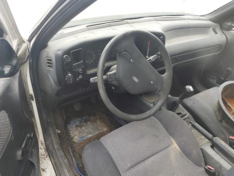 Подержанные Автозапчасти Ford SCORPIO 1987 2.5 машиностроение седан 4/5 d. белый 2020-8-10