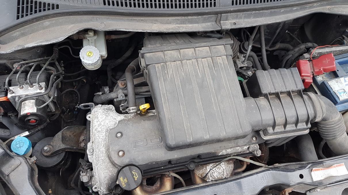 Naudotos automobiliu dallys Foto 8 Suzuki SWIFT 2006 1.3 Mechaninė Hečbekas 2/3 d. Juoda 2017-2-28 A3209