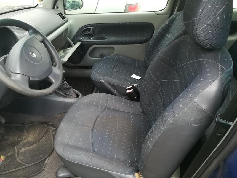 Naudotos automobiliu dallys Foto 5 Renault CLIO 2002 1.2 Mechaninė Hečbekas 2/3 d. Melyna 2019-7-03 A4603