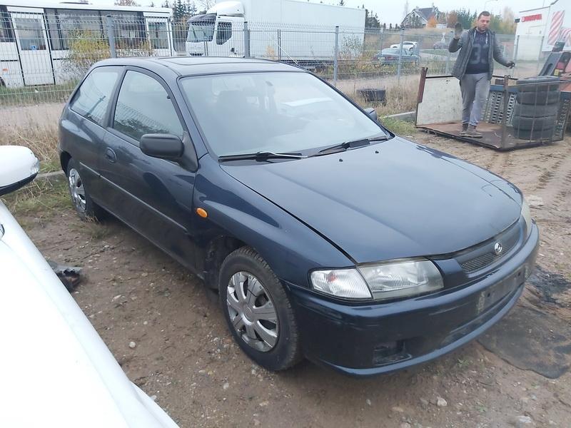 Naudotos automobilio dalys Mazda 323 1996 1.5 Mechaninė Hečbekas 2/3 d. Melyna 2020-10-27