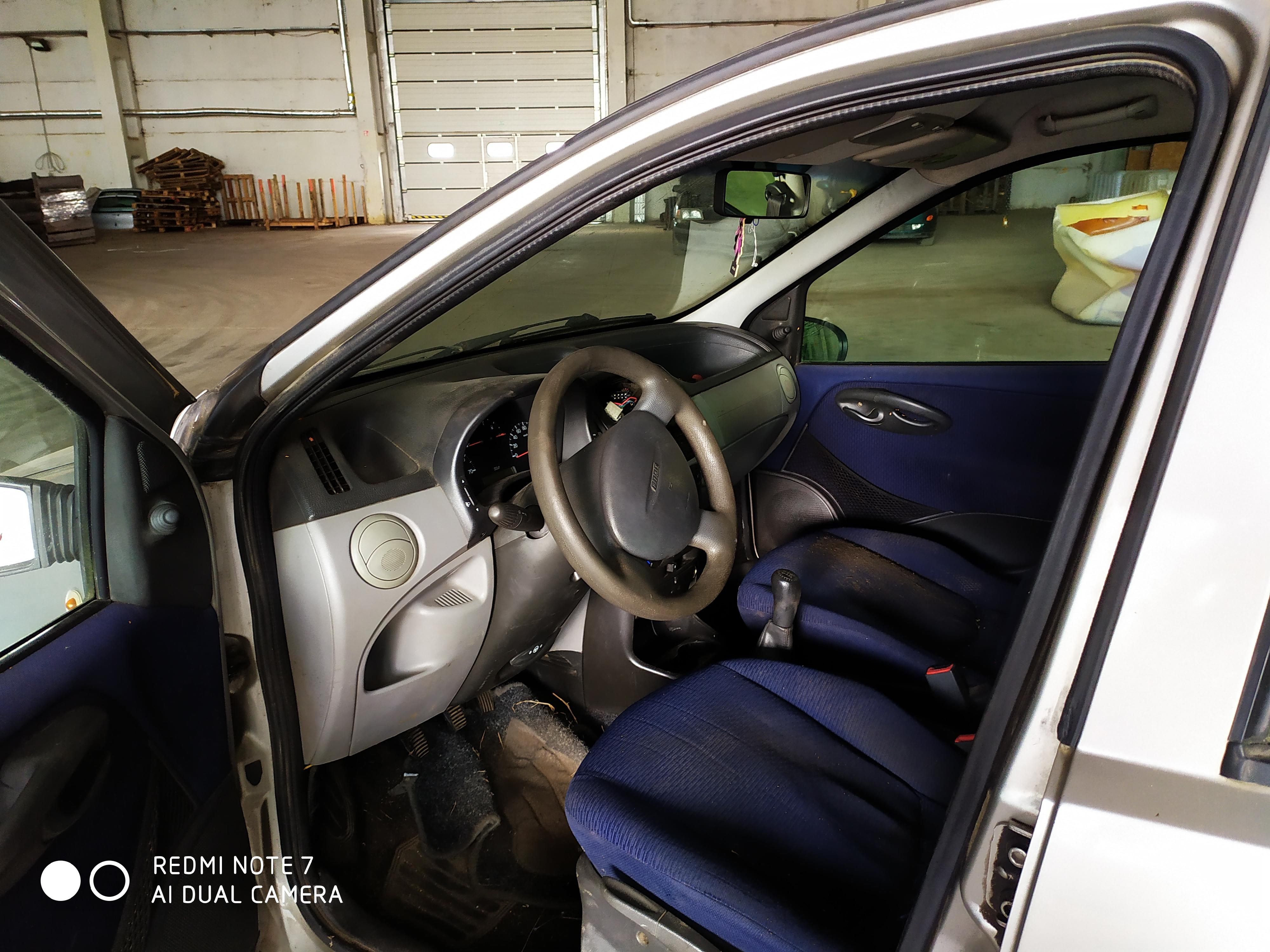 Подержанные Автозапчасти Fiat PUNTO 2000 1.9 машиностроение хэтчбэк 4/5 d. серебро 2020-8-19