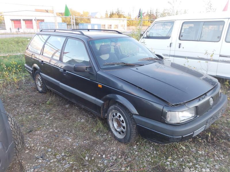 Подержанные Автозапчасти Volkswagen PASSAT 1992 1.9 машиностроение универсал 4/5 d. черный 2020-10-19