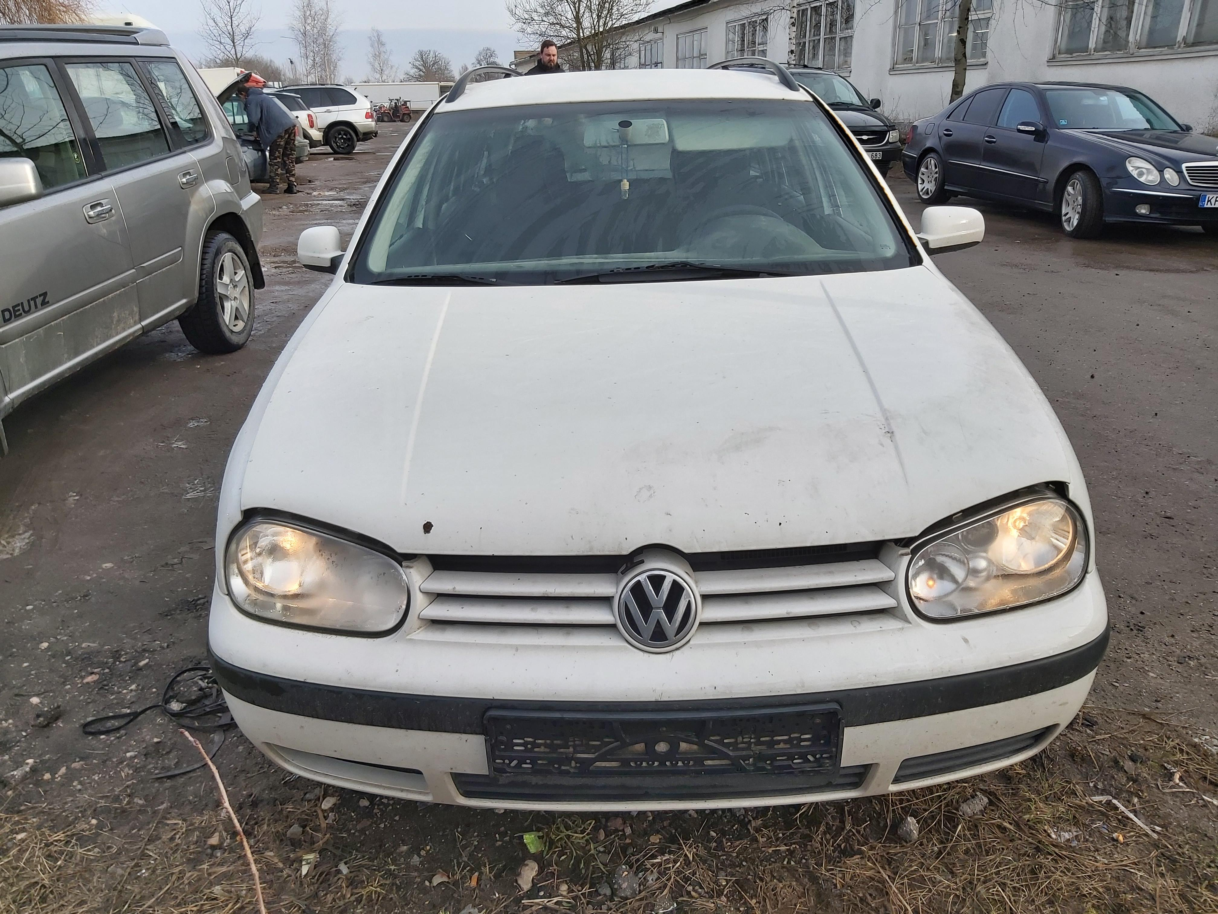 Подержанные Автозапчасти Foto 3 Volkswagen GOLF 2000 1.9 машиностроение универсал 4/5 d. белый 2020-2-14 A5072