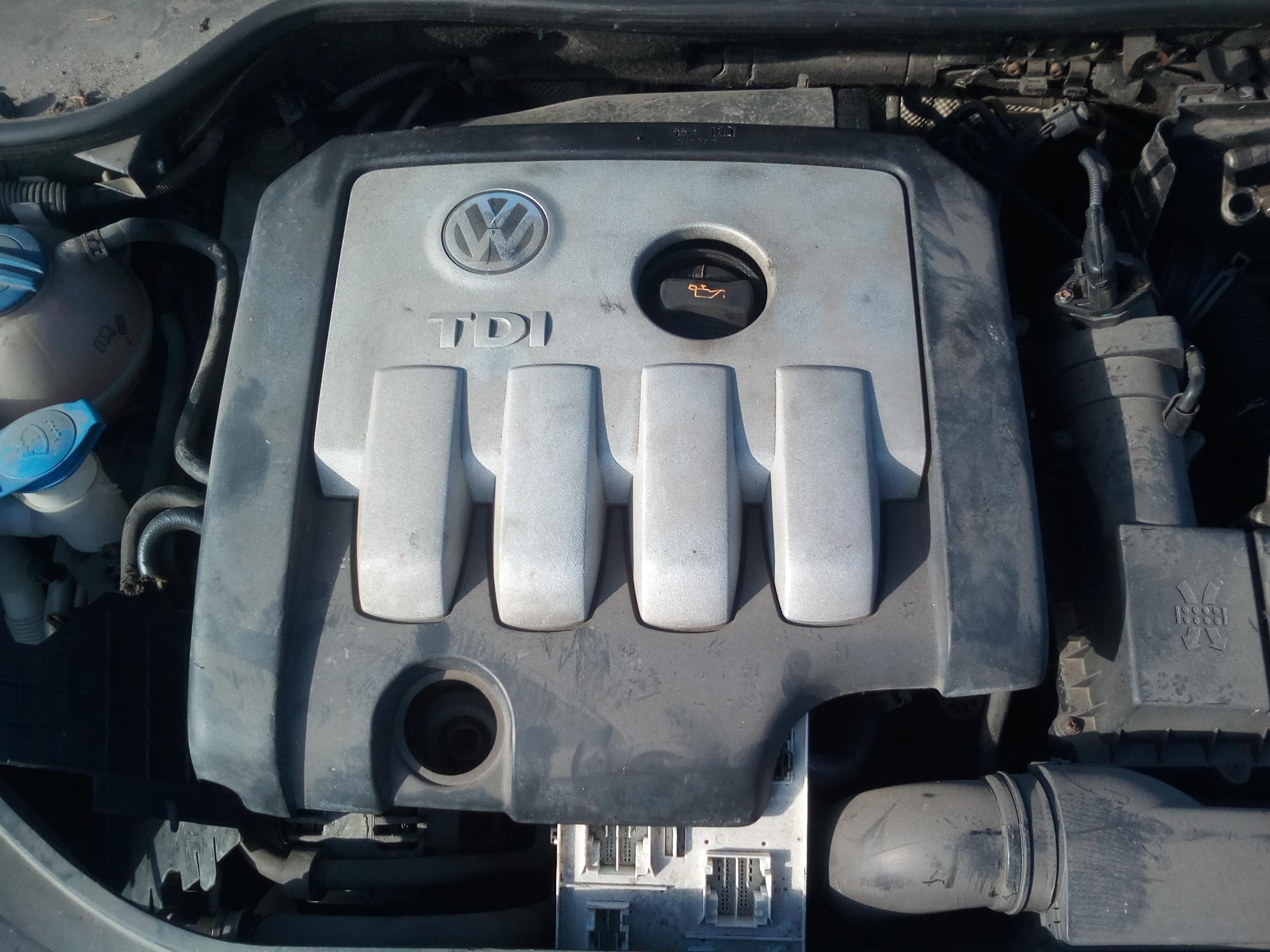 Naudotos automobiliu dallys Foto 7 Volkswagen GOLF 2004 2.0 Mechaninė Hečbekas 4/5 d. Pilka 2018-3-21 A3664