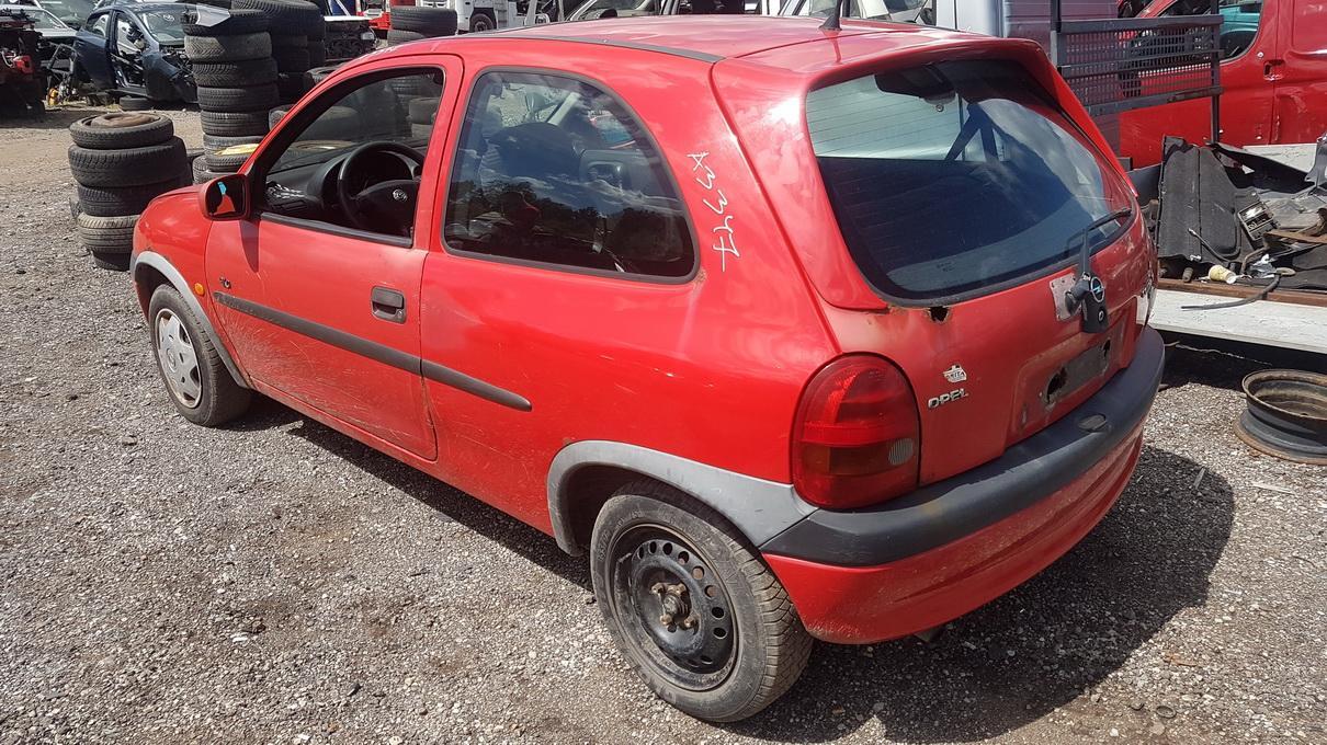 Подержанные Автозапчасти Foto 6 Opel CORSA 1998 1.0 машиностроение хэтчбэк 2/3 d. красный 2017-7-07 A3347