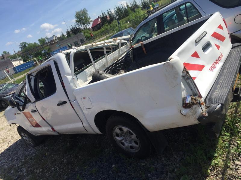 Naudotos automobiliu dallys Foto 6 Toyota HILUX 2012 2.5 Mechaninė Visureigis 4/5 d. Balta 2018-5-16 A3759