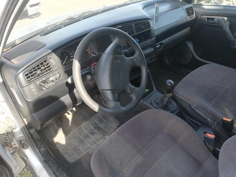 Naudotos automobiliu dallys Foto 8 Volkswagen GOLF 1996 1.9 Mechaninė Universalas 4/5 d. Pilka 2019-8-05 A4690
