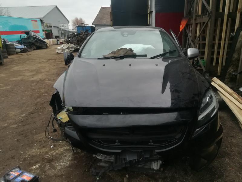 Naudotos automobilio dalys Volvo V40 2017 2.0 Mechaninė Hečbekas 4/5 d. Juoda 2019-11-21