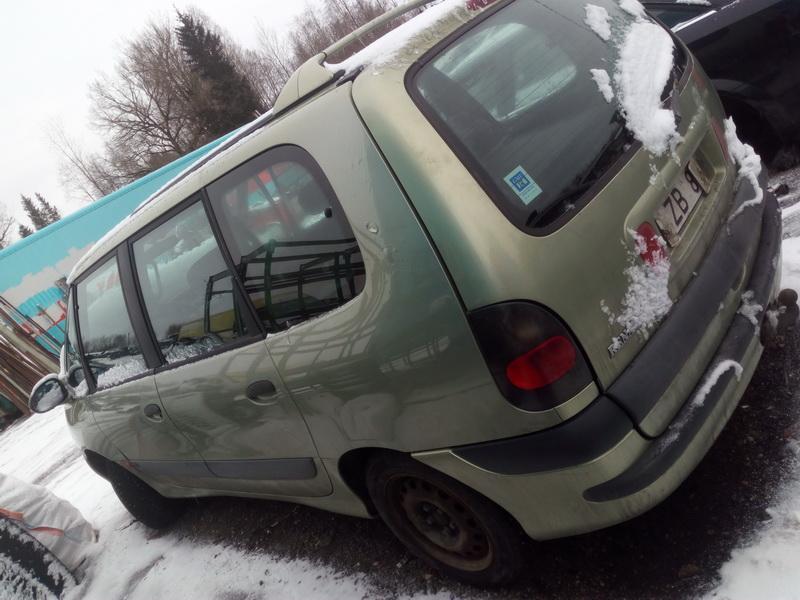 Подержанные Автозапчасти Renault ESPACE 1997 2.2 машиностроение минивэн 4/5 d. зеленый 2018-1-31