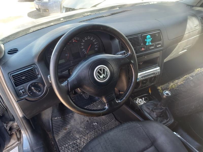 Naudotos automobiliu dallys Foto 6 Volkswagen GOLF 2000 1.9 Mechaninė Hečbekas 2/3 d. Pilka 2020-3-31 A5182
