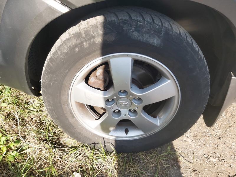 Naudotos automobiliu dallys Foto 10 Hyundai TUCSON 2005 2.0 Mechaninė Visureigis 4/5 d. Juoda 2020-9-16 A5672