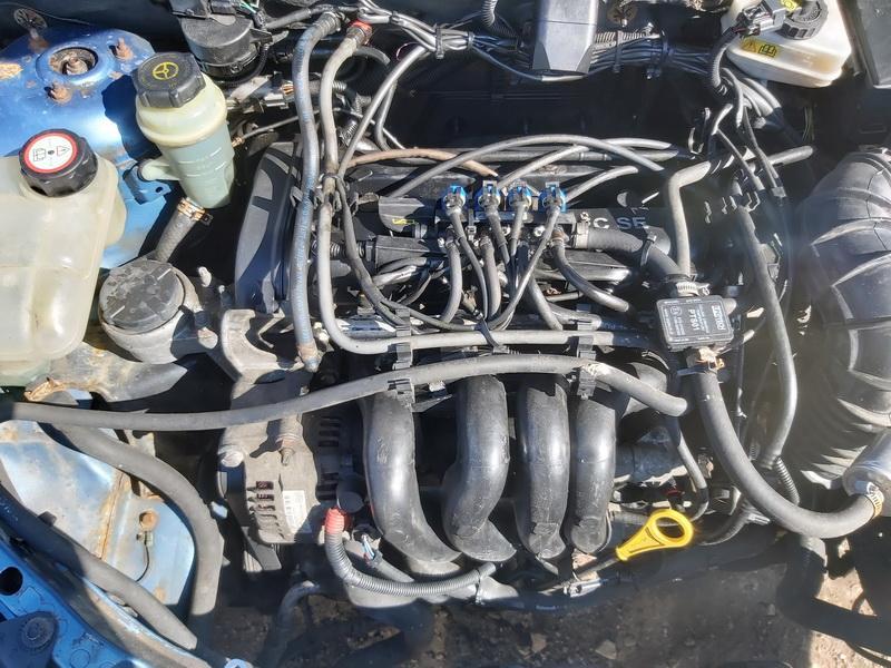 Naudotos automobiliu dallys Foto 2 Ford FOCUS 2003 1.6 Mechaninė Hečbekas 4/5 d. Melyna 2020-3-25 A5159